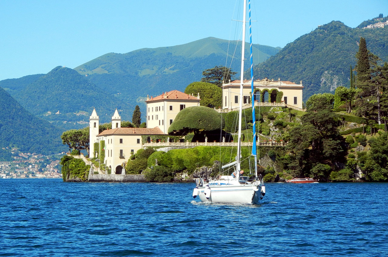 Lake Como Navigation Rules boats