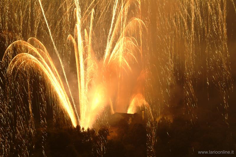 fireworks comacina island lake como