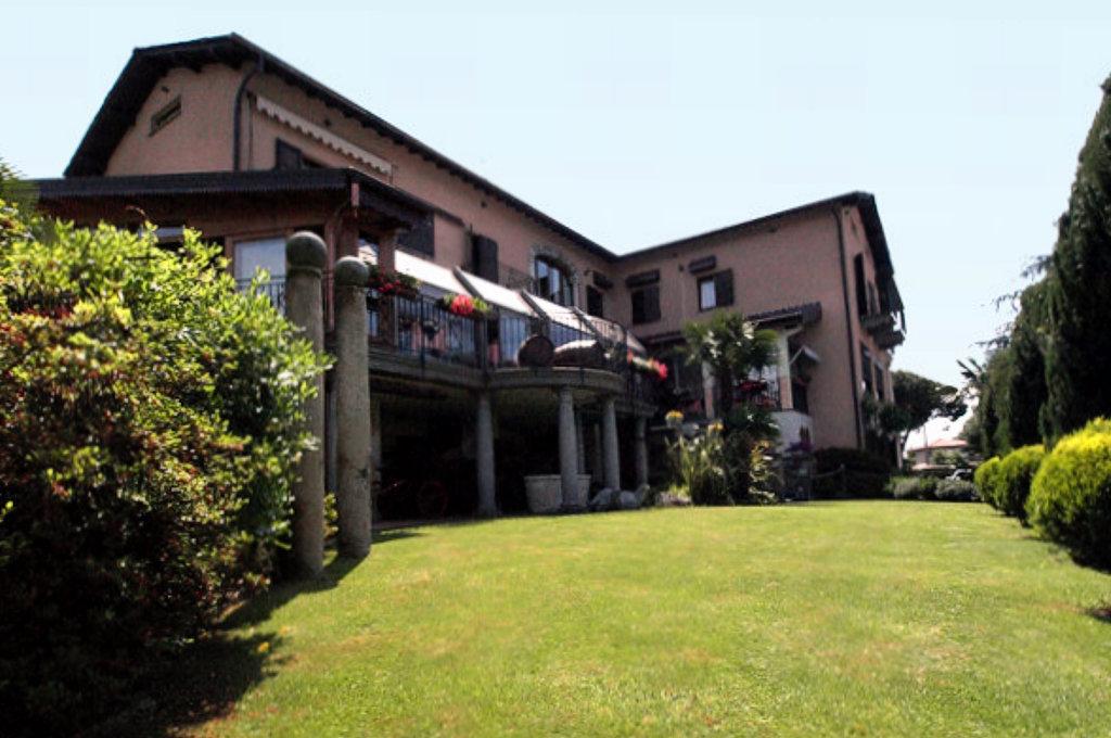 http://www.larioonline.it/admin/files/hotel-Conca-Azzurra-colico-lago-di-como.jpg