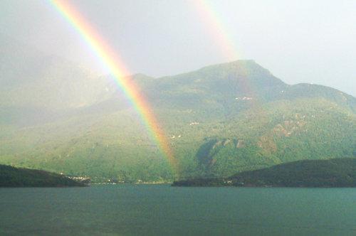 rainbow lake como