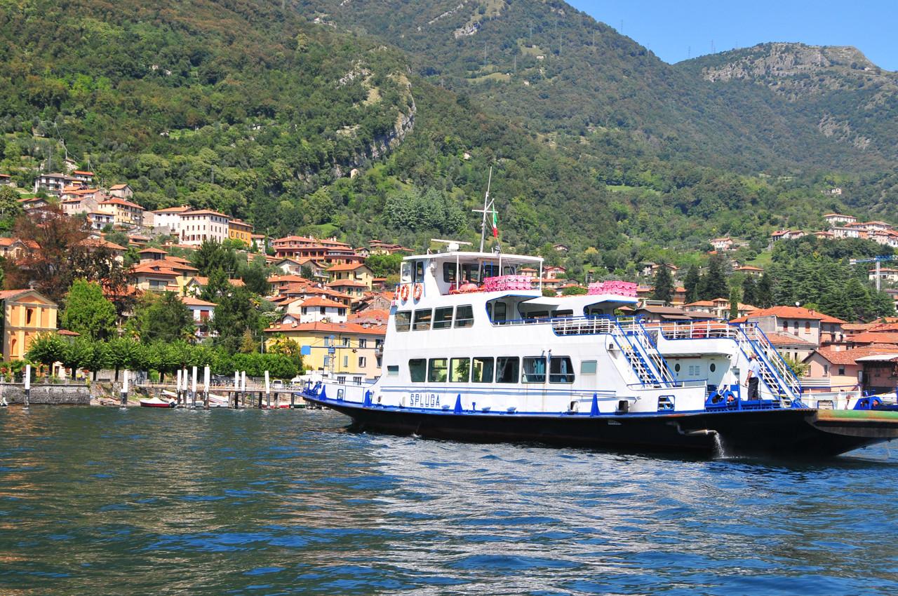 traghetti lago di Como